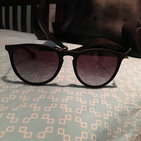 9a4fe61652 100% Authentic Ray-Ban Erika RB4171. M 5bfdab0daaa5b868516d43c5